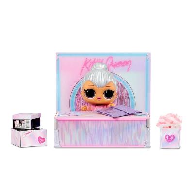 """Игровой набор с мега-куклой l.o.l. Surprise! королева китти (573074) купить в магазине """"Пустун"""" Фото 3"""